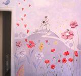 Illustrazione dipinta a parete per cameretta