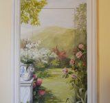 Abitazione privata Genova-porta su giardino con cornice e sovraporta dipinti | Mara Beccaris Genova