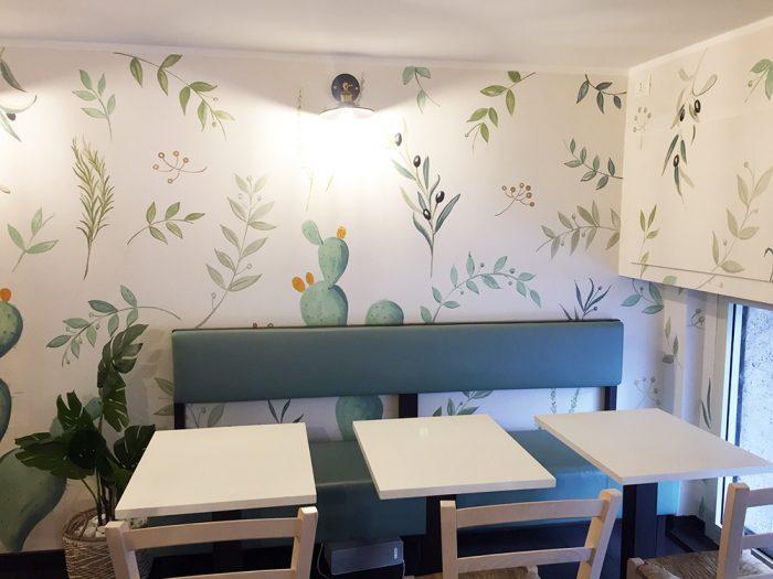 Progettazione e realizzazione di tappezzeria dipinta con piante aromatiche mediterranee | Mara Beccaris Genova