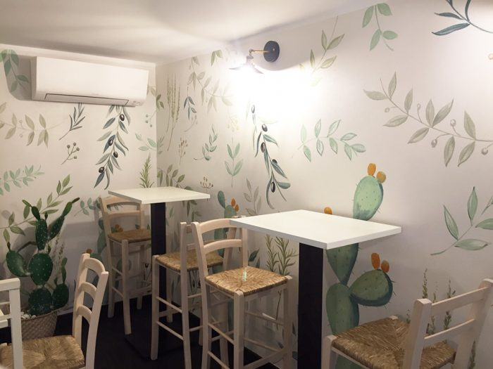 Progettazione e realizzazione di tappezzeria dipinta con piante mediterranee | Mara Beccaris Genova