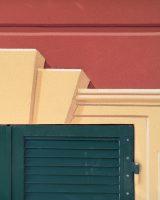 Viale Aspromonte 25, Genova. Particolare di cornice modanata dipinta | Mara Beccaris Genova